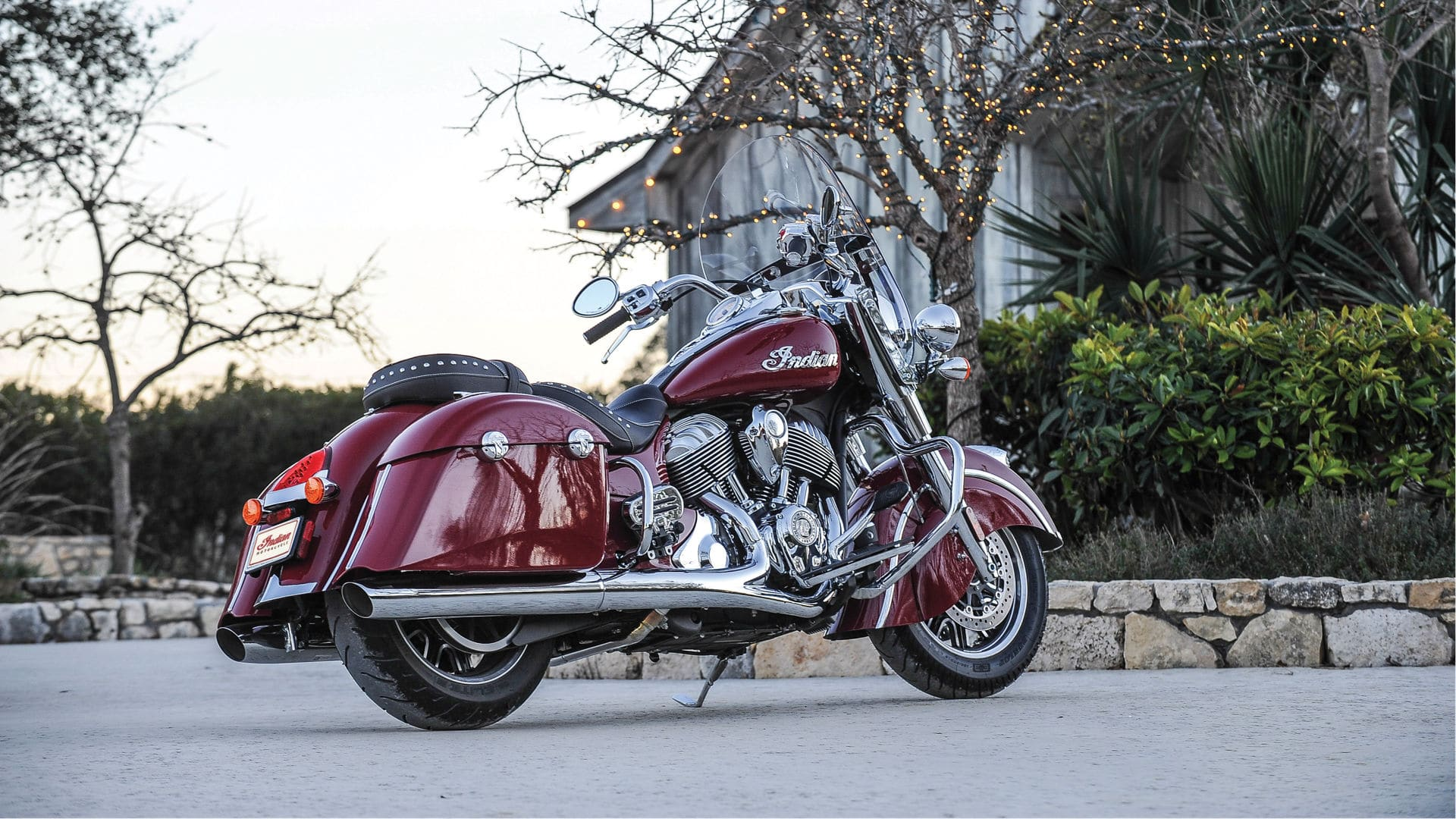 2016 Indian Springfield in Indian Motorcycle® Red.
