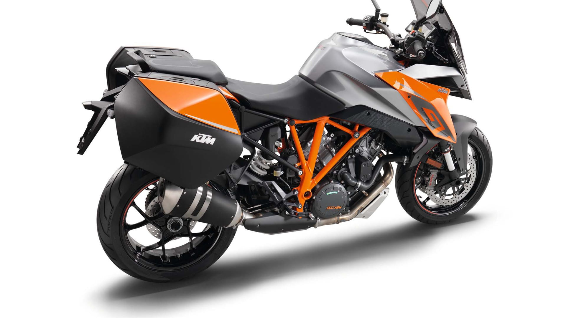 ktm launches much anticipated 1290 super duke gt motorcycle life. Black Bedroom Furniture Sets. Home Design Ideas