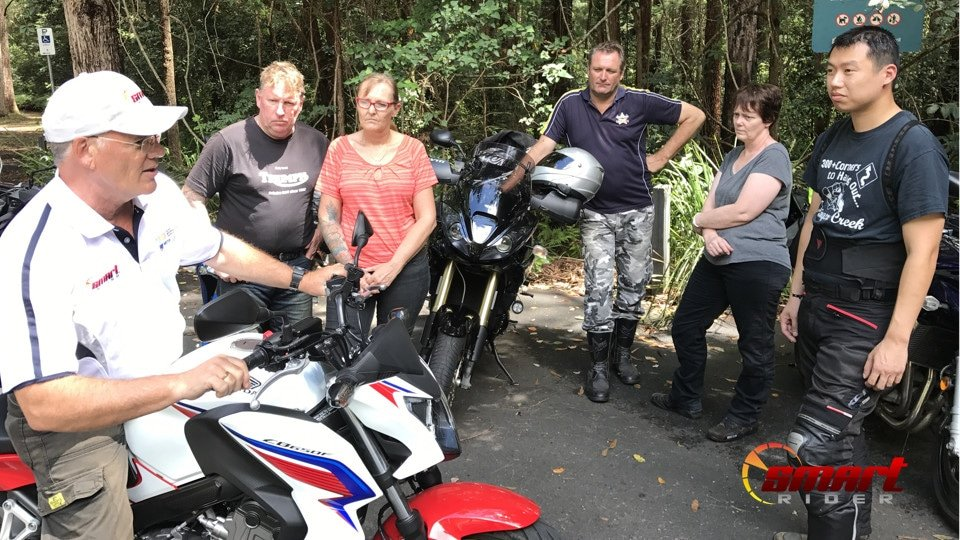 SMART Rider Lead Instructor Mike Roberts with course participants.